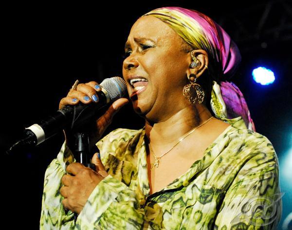 Cantora Sandra de Sá