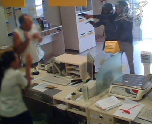 Cena ilustrativa de um assalto aos correios