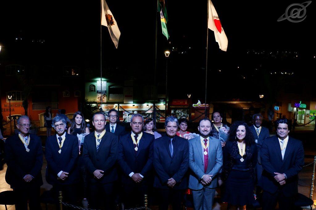 Foto & Texto: Por Assessoria Secom / PMC – Agraciados com a medalha Aleijadinho em 2017