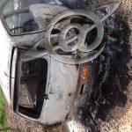 Veículo incendiado