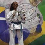Karateca Letícia Oliveira